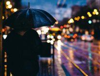 تعويذة حُب تسكن المطر