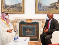 وزير الثقافة يلتقي بمدير عام منظمة الإيكروم